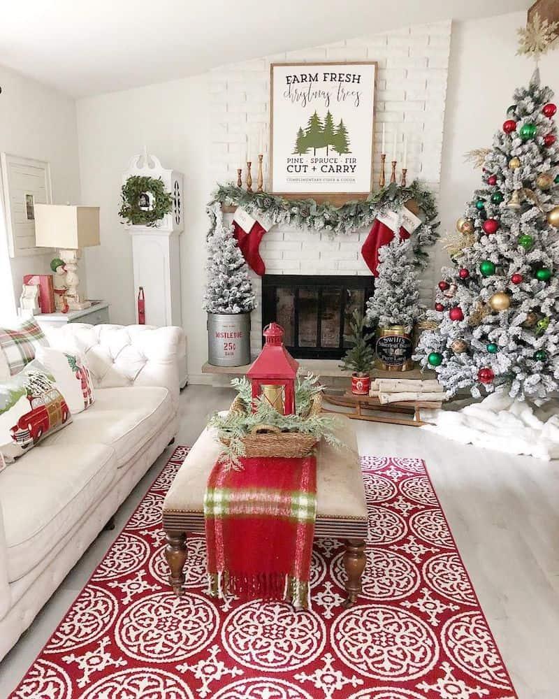 dekorasi natal di rumah farmhouse